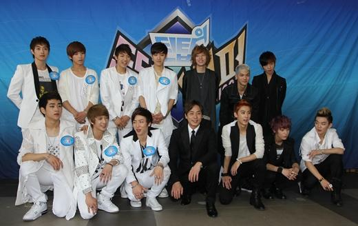 Andy with Teen Top and 100 %